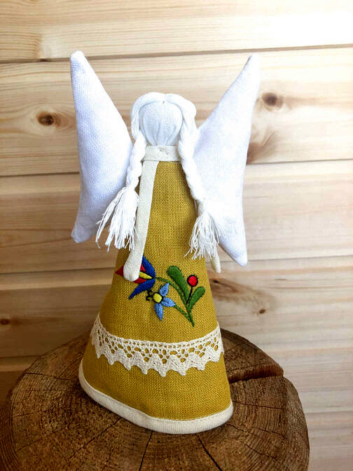 aniołek lniany haftowany