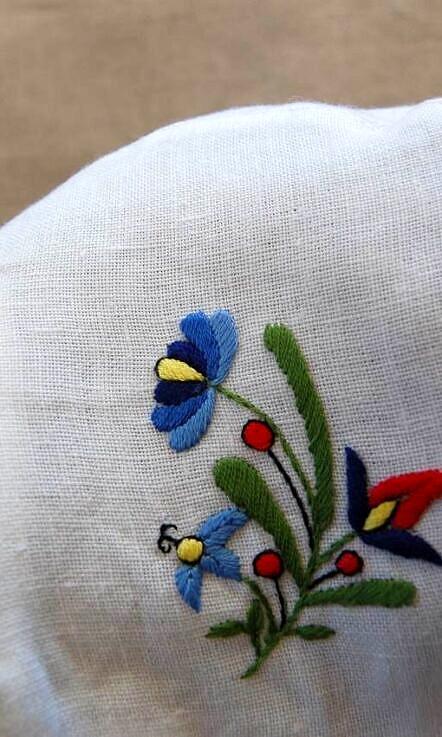 Czapeczka dla dziecka z haftem kaszubskim