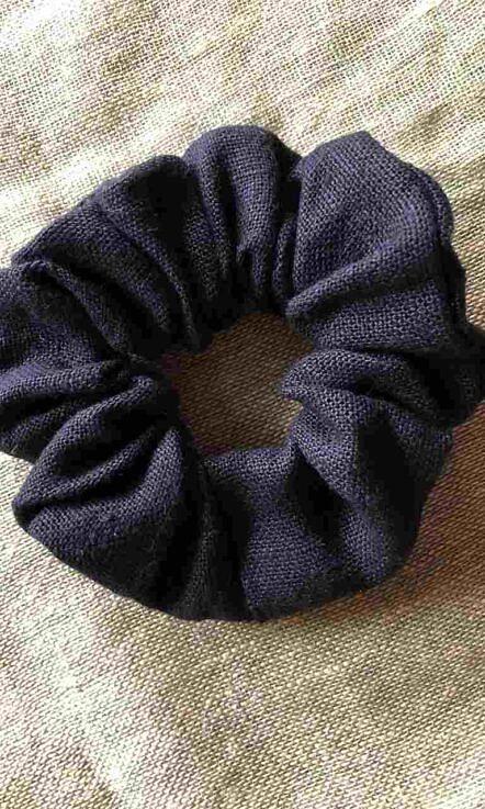 "gumka ""scrunchie"" czarna"