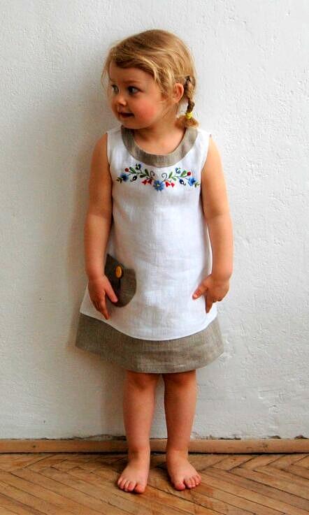 Sukienka lniana listwa z haftem Margaretka