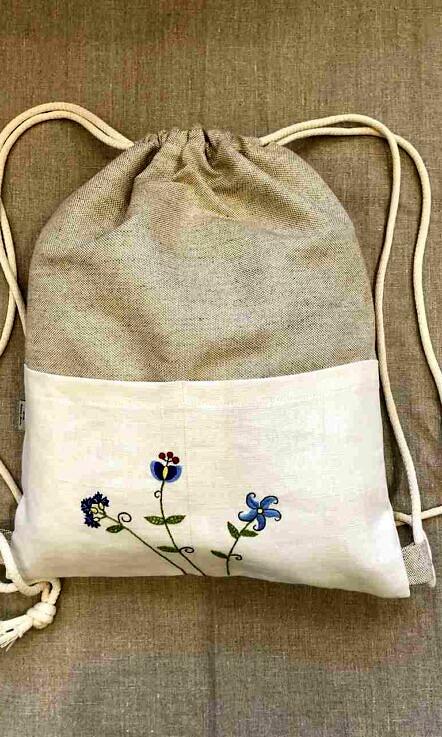 Plecak lniany z haftem i kieszeniami