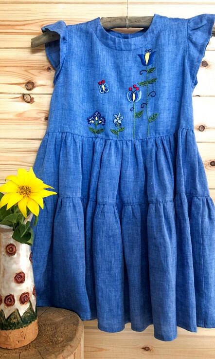 Sukienka lniana niebieska guziki